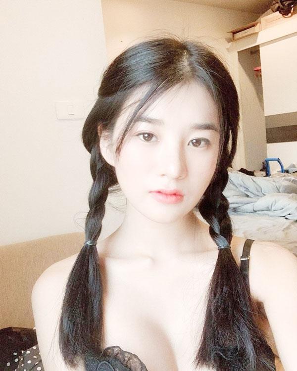 Hình ảnh gái xinh vú đẹp tự nhiên tuổi 18, tuổi 20