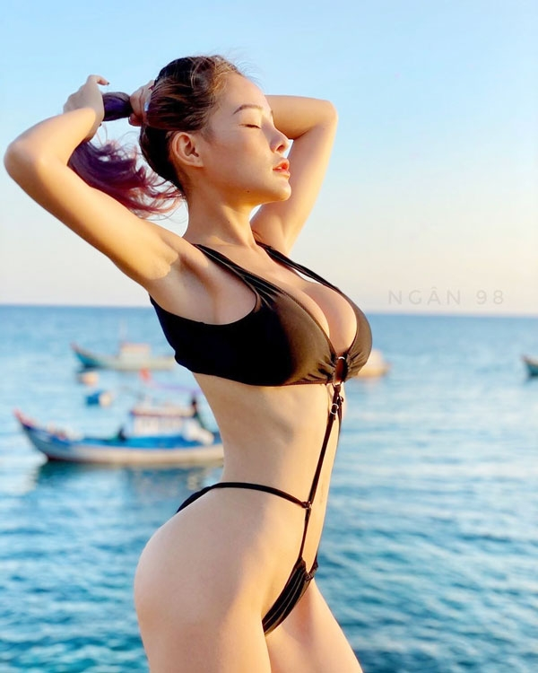 Hình ảnh gái xinh, vú vừa đẹp vừa to, bờ mông căng tròn