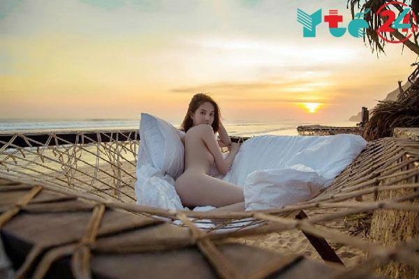Hình ảnh con gái thủ dâm trên bờ biển
