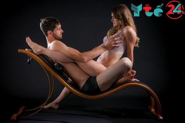 Tư thế quan hệ trên ghế