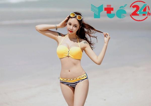 ảnh gái đẹp khỏa thân body khủng tắm nắng