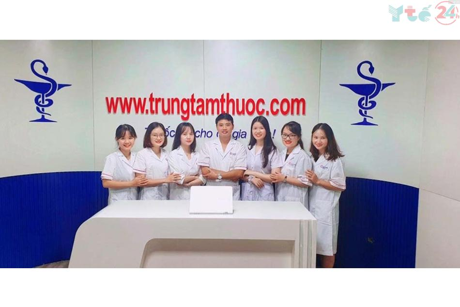 Ảnh: Đội ngũ dược sĩ chuyên nghiệp tại Trung tâm Thuốc Central Pharmacy